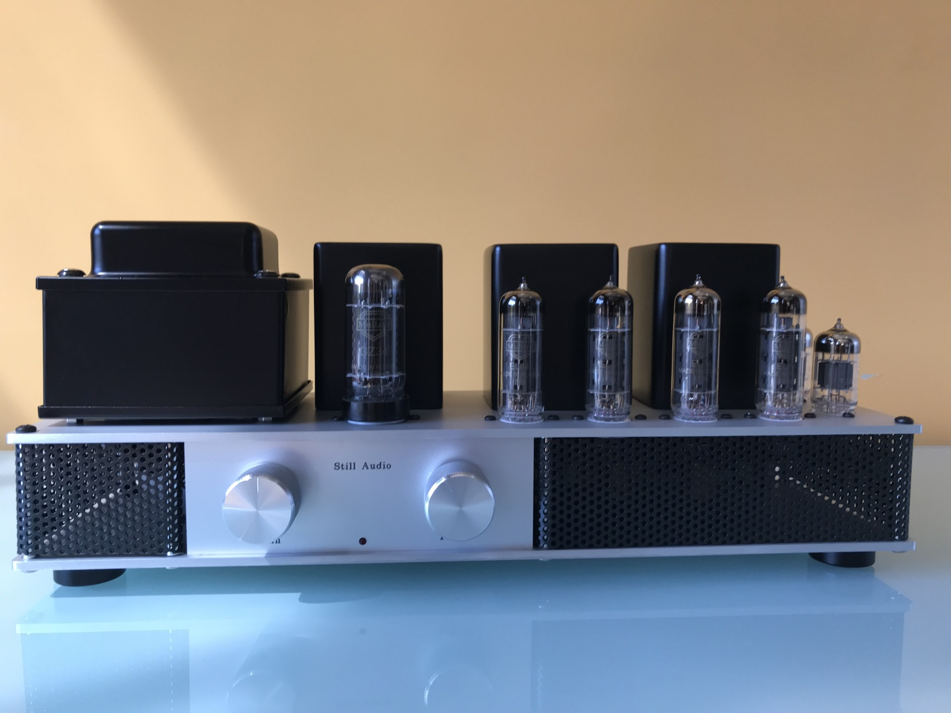 The EL84 Bookshelf Amplifier